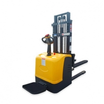 1.5 ton of 1.6M warehouse special loading and unloading truck electric stacker