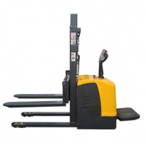 Direct sales 2T electric stacker station driving lift truck forklift lift 2.5M