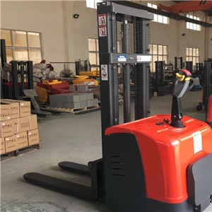 What are the common misunderstandings of electric pallet stacker?