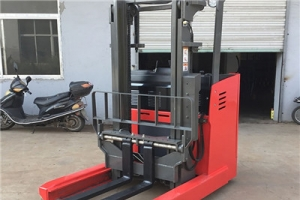 What are the precautions for long-term storage of electric stacker truck?