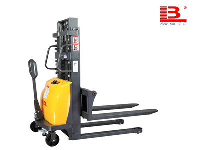 electric stacker manufacturers