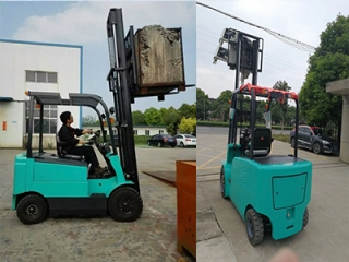 What should be paid attention to when unloading electric forklifts?