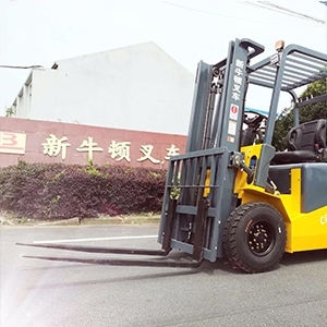 The reason for the fast power consumption of small electric forklifts during dri