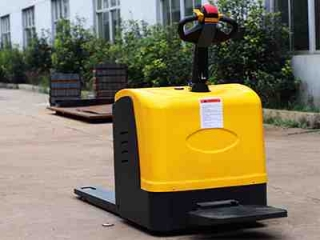 Electric forklift manufacturers introduce you to the features of the new generat