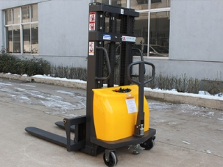 Purchase full electric pallet stacker according to your needs