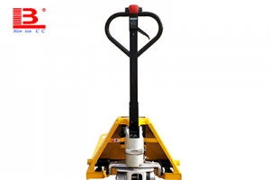 Truck manufacturers pay more attention to the safety of double electric pallet j